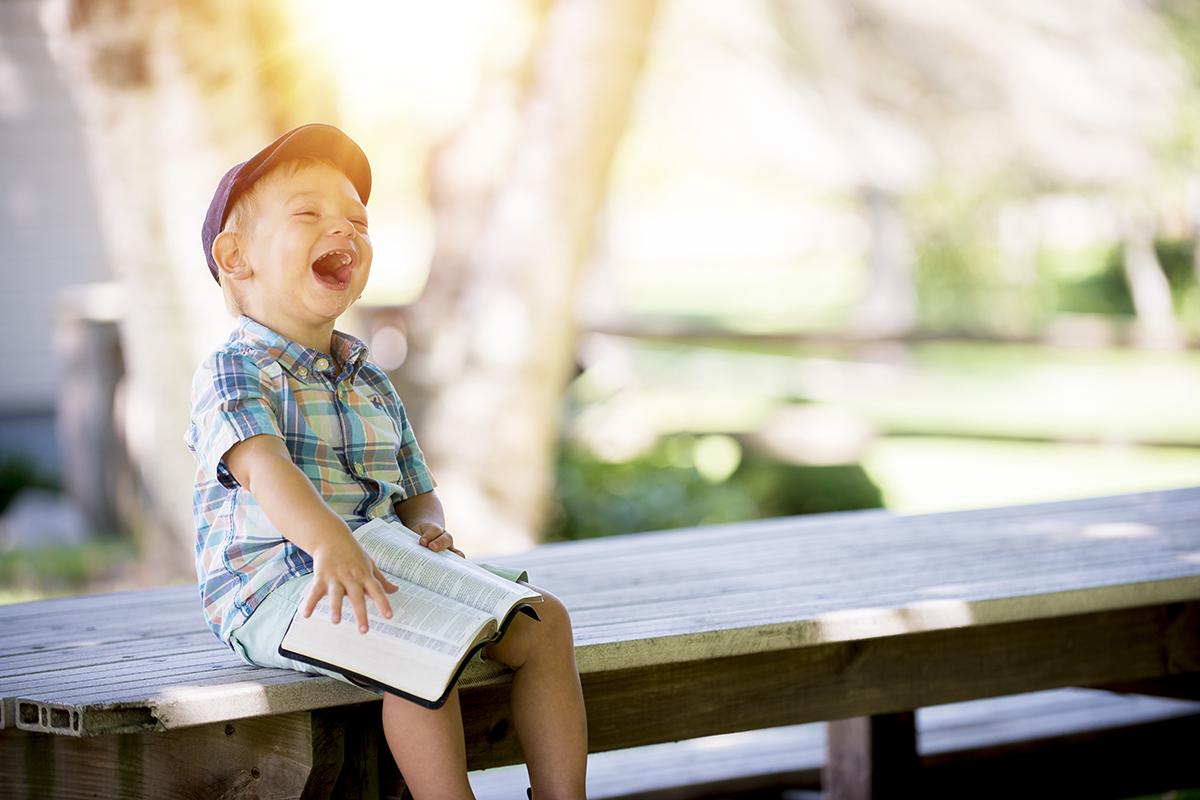 Een blij en vrolijk kind met homeopathie